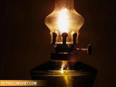 Đèn dầu thờ cúng và ý nghĩa mang đậm văn hóa người Việt